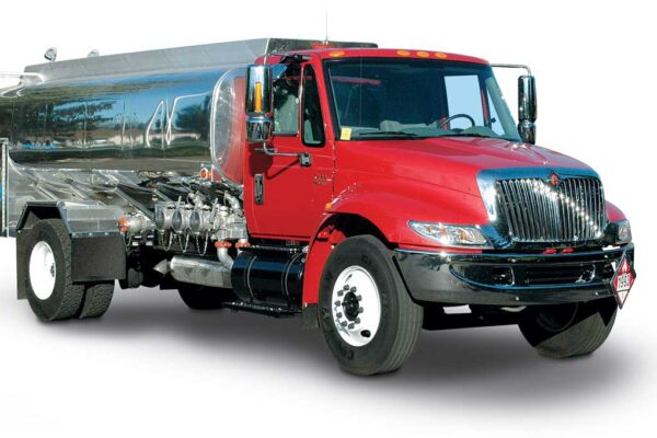 Global Automotive Fuel Tank Market by Material and by capacity